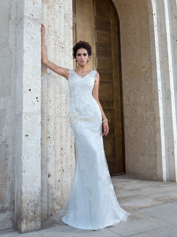 Ivory Net V-neck Trumpet/Mermaid Sweep/Brush Train Wedding Dresses