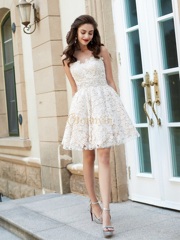 Ivory Lace Sweetheart A-Line/Princess Short/Mini Graduation Dresses
