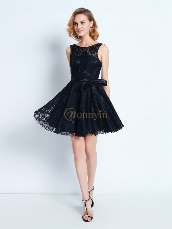 Black Lace Scoop A-Line/Princess Short/Mini Graduation Dresses