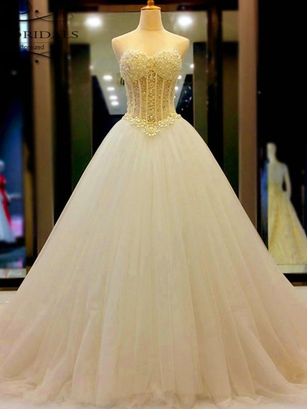 White Tulle Sweetheart Ball Gown Court Train Wedding Dresses