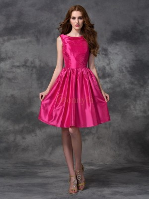 Fuchsia Taffeta Bateau A-line/Princess Knee-length Bridesmaid Dresses