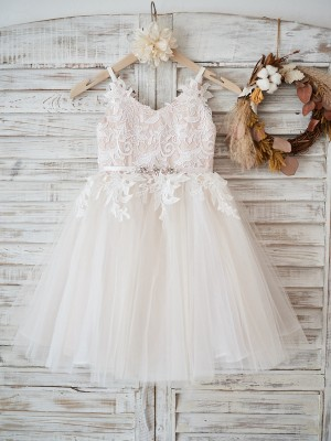 Pearl Pink Tulle V-neck A-Line/Princess Knee-Length Flower Girl Dresses