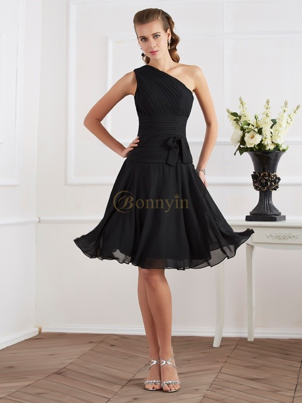 Black Chiffon One-Shoulder A-Line/Princess Knee-Length Cocktail Dresses