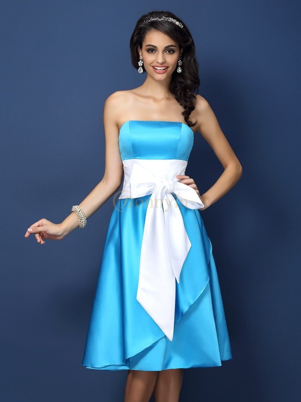 Blue Satin Strapless Sheath/Column Knee-Length Bridesmaid Dresses