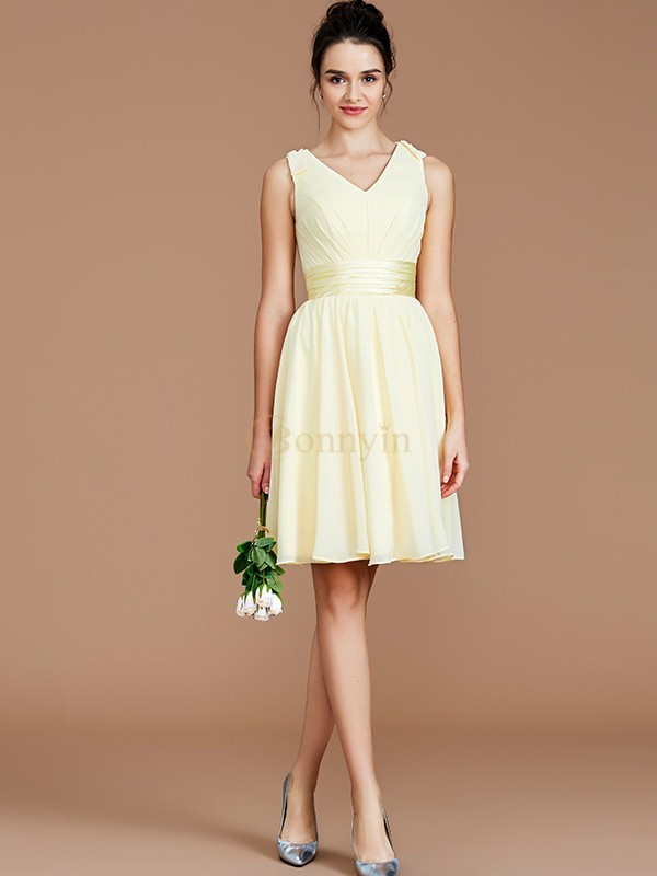 Daffodil Chiffon V-neck A-Line/Princess Short/Mini Bridesmaid Dresses