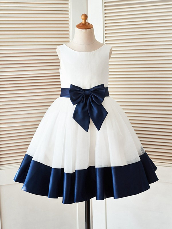 White Satin Scoop A-Line/Princess Knee-Length Flower Girl Dresses