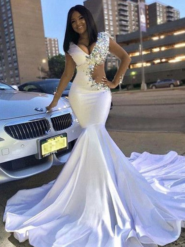 White Satin V-neck Trumpet/Mermaid Court Train Dresses