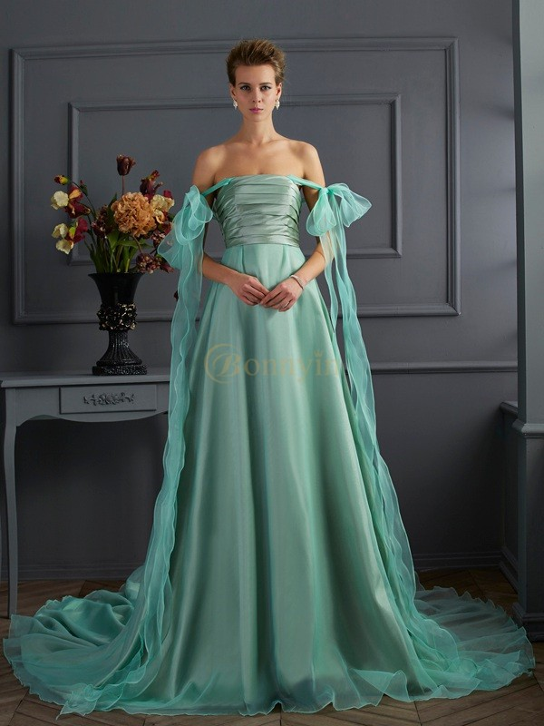Hunter Green Taffeta Off the Shoulder A-Line/Princess Chapel Train Dresses