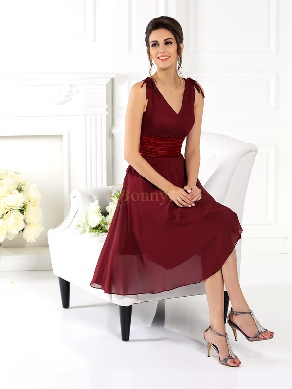 Burgundy Chiffon V-neck A-Line/Princess Knee-Length Bridesmaid Dresses