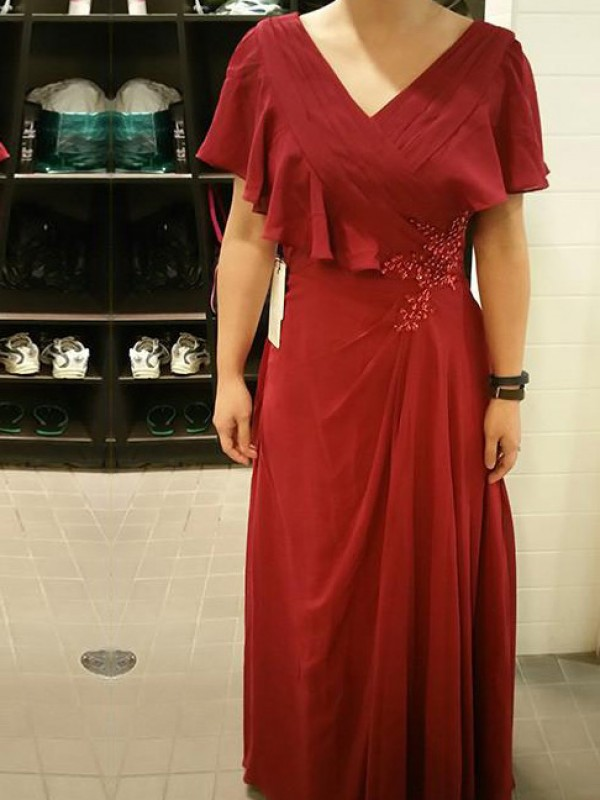 Red Chiffon V-neck Sheath/Column Floor-Length Mother of the Bride Dresses