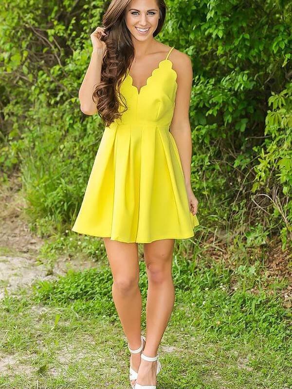Yellow Satin V-neck A-line/Princess Short/Mini Homecoming Dresses