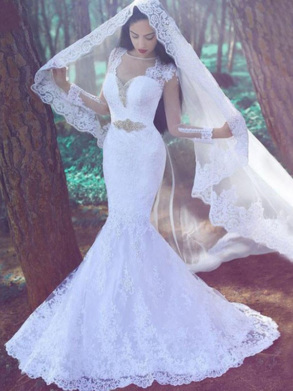 Ivory Lace Sweetheart Trumpet/Mermaid Court Train Wedding Dresses