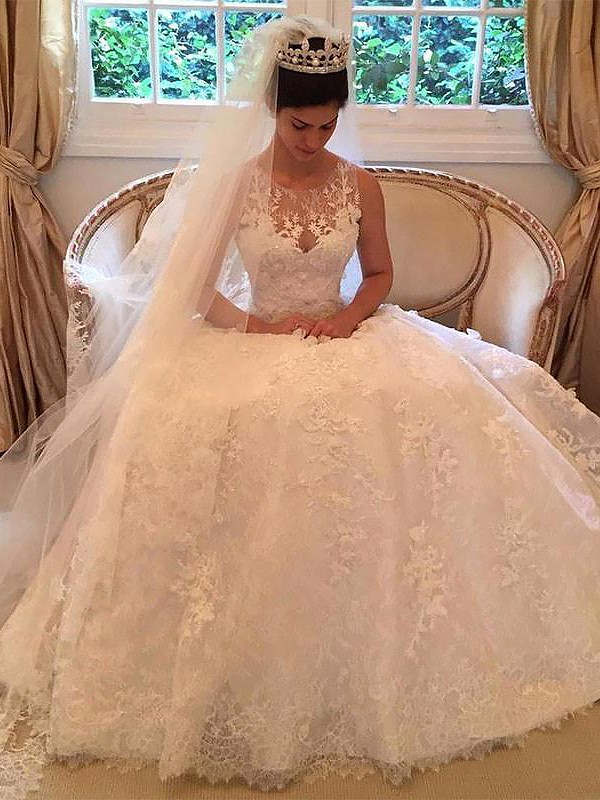 Ivory Lace Scoop A-Line/Princess Court Train Wedding Dresses
